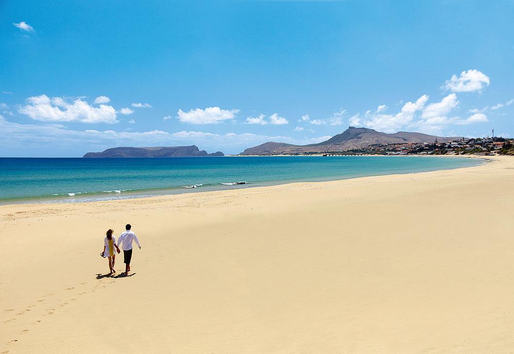 Paar am Strand von Porto Santo