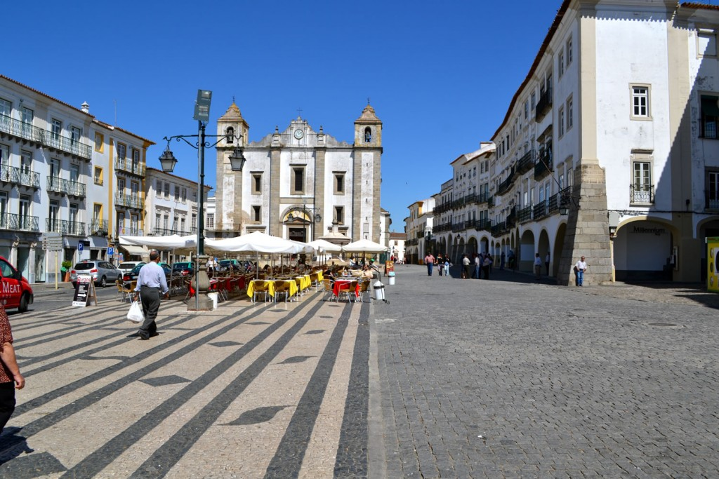 Marktplatz von Evora im Alentejo