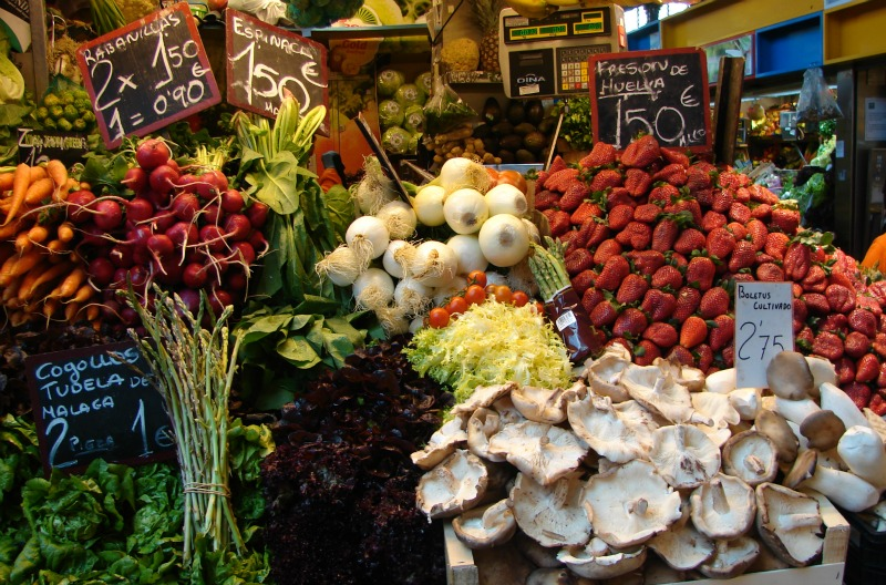 Obst und Gemuese in der Markthalle von Málaga