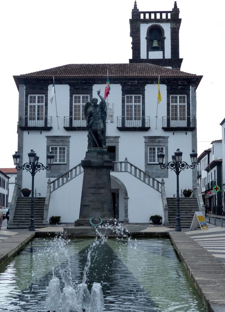 Rathaus, von dessen Glockenturm Sie eine tolle Aussicht über die Stadt haben