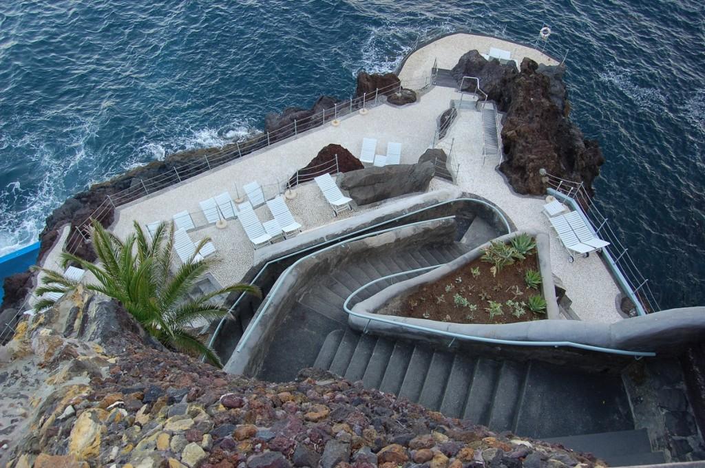 Die Treppe zu den erfrischenden Wellen des Atlantiks