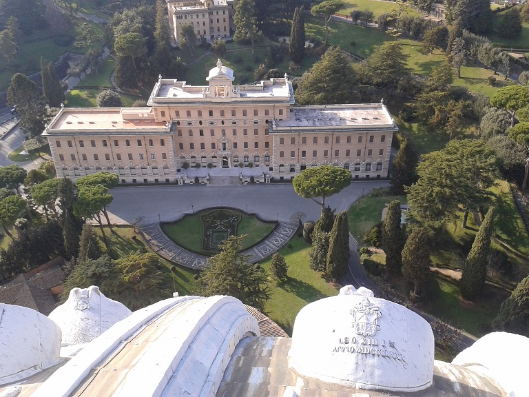 Blick von der Kuppel des Petersdoms, Rom