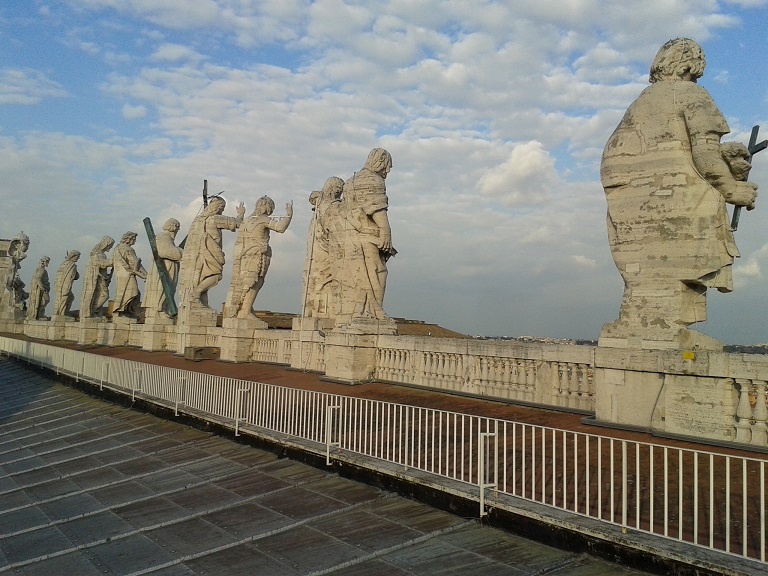 12 Apostel auf dem Dach des Petersdoms, Vatikan