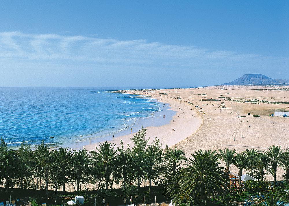 Panorama Sandstrand und Meer auf Fuerteventura