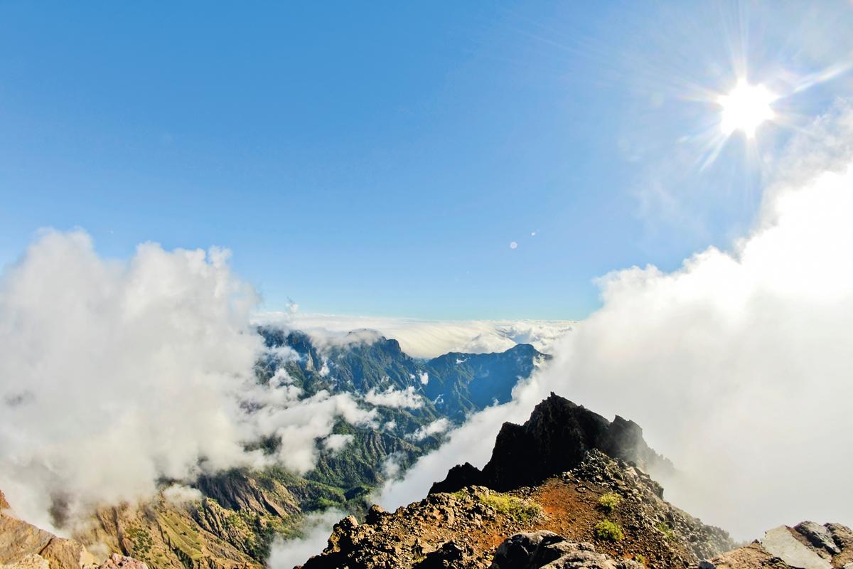 Panorama mit Wolken vom Vulkan Caldera de Taburiente
