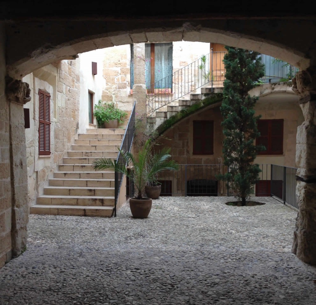 Einer der zahlreichen Innenhöfe Palmas