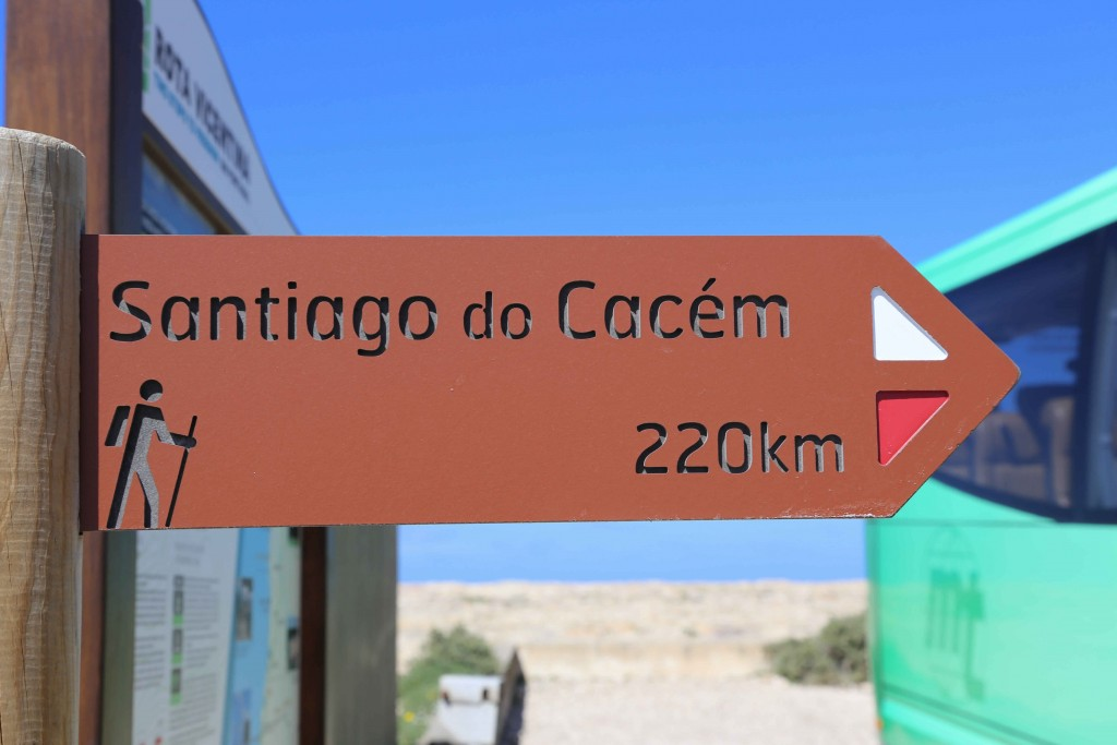 Schild Wandern an der Algarve Santiago do Cacém