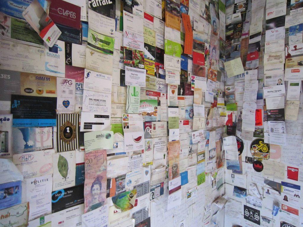 Visitenkarten in der Taberna da Poncha