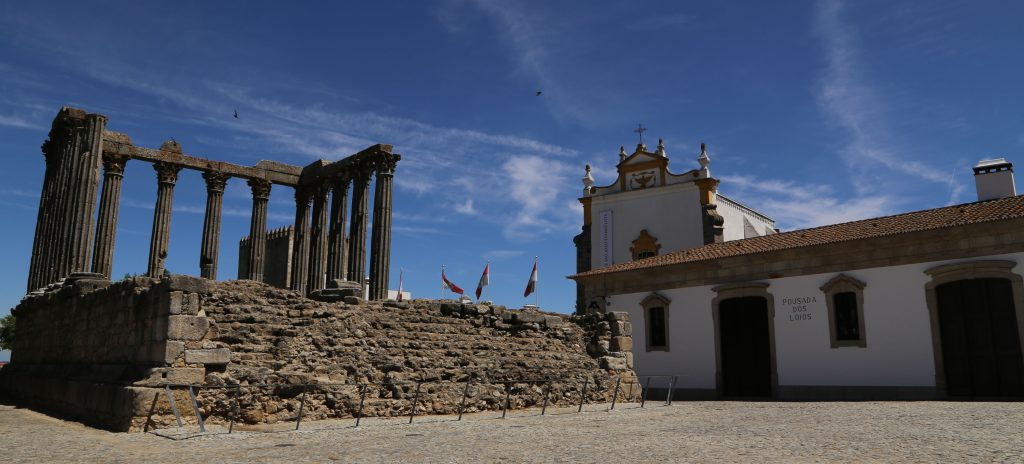 Diana-Tempel und Pousada in Évora