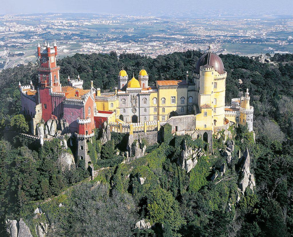 PT-LissabonsKuesten-Sintra-PalacioDaPena-Overview