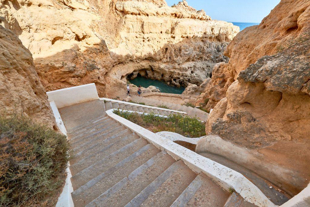 Steintreppe zur Bucht Felsen Ausflug