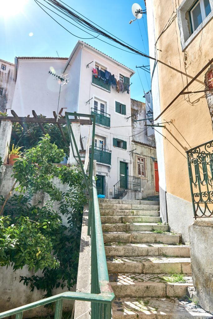 Treppen Gasse Alfama Lissabon