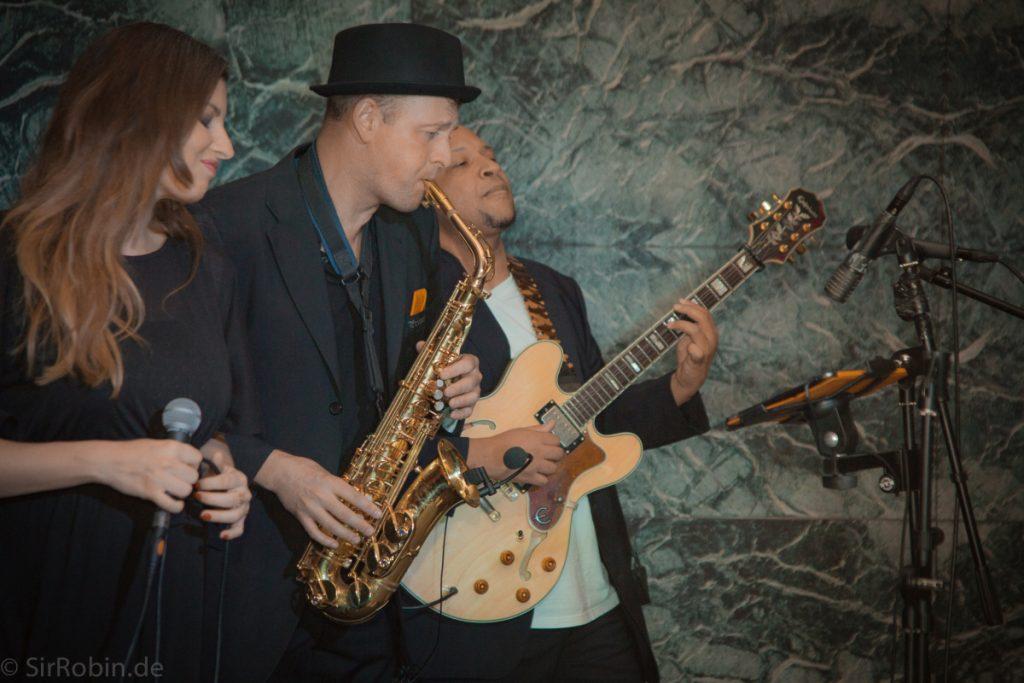 Musiker Prince Alec am Saxofon
