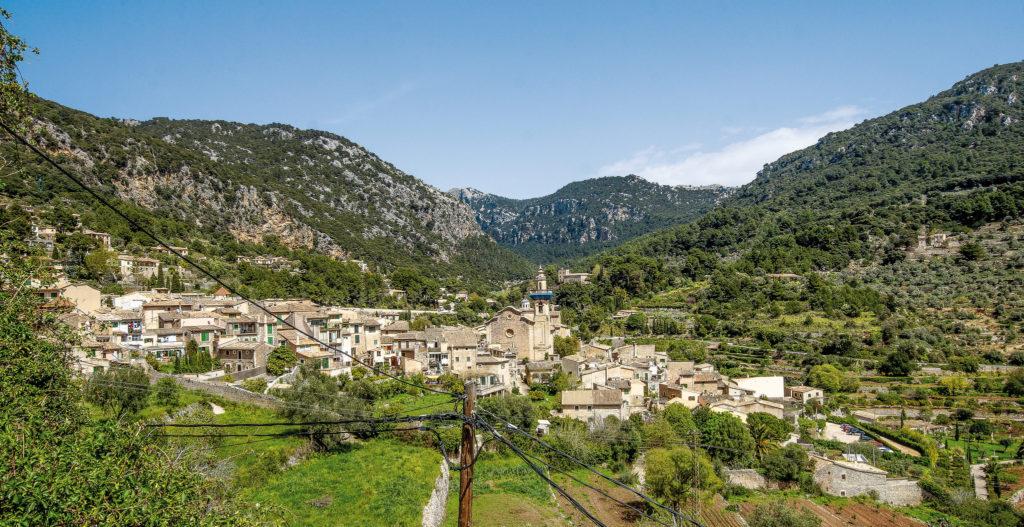 Blick auf Valldemossa auf Mallorca
