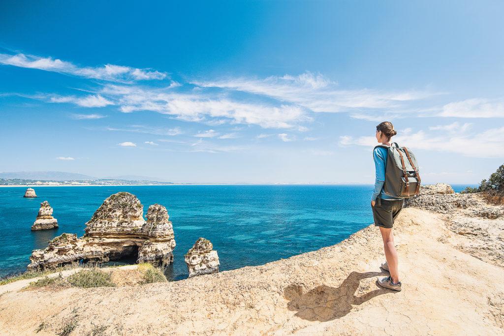 Wanderin an der Algarve