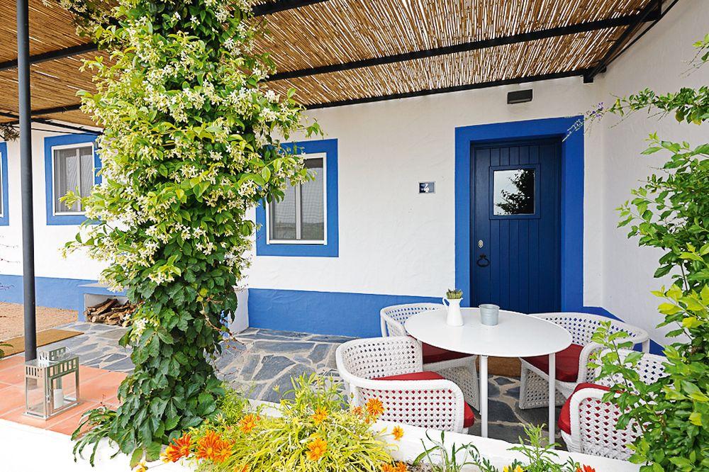 Blaue Tür Casas des Juromenha
