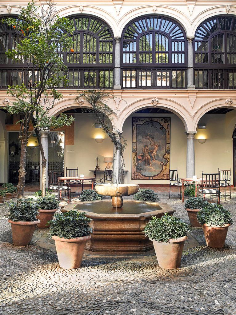 Patio Parador de Granada