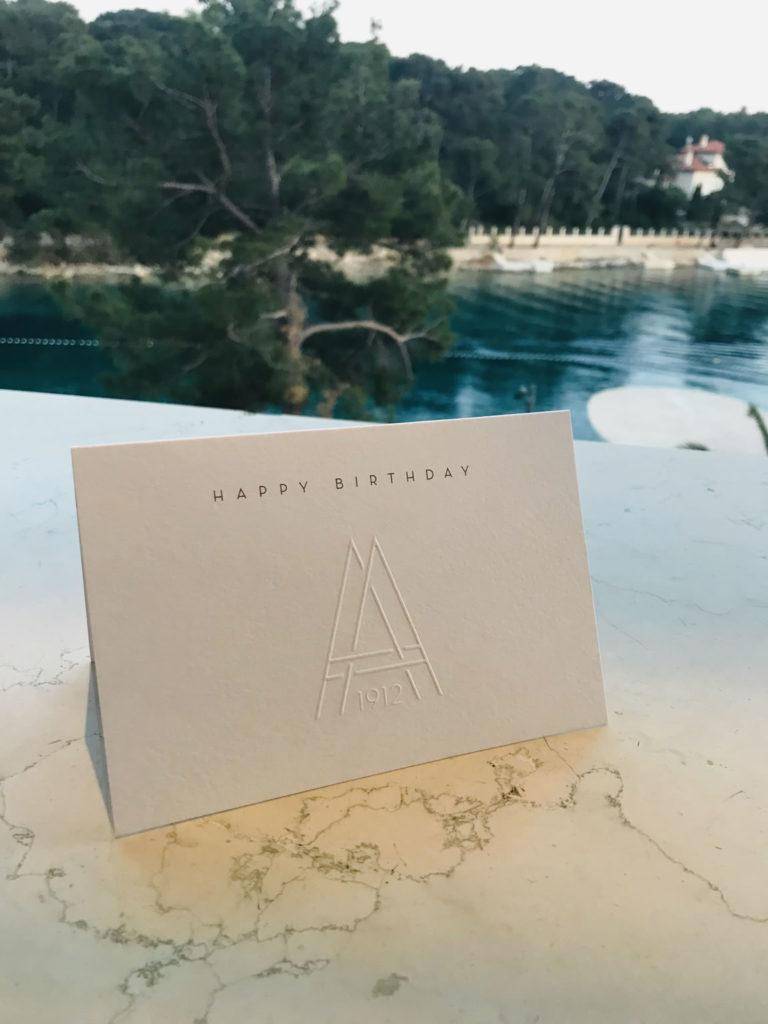 Geburtstagskarte im Hotel