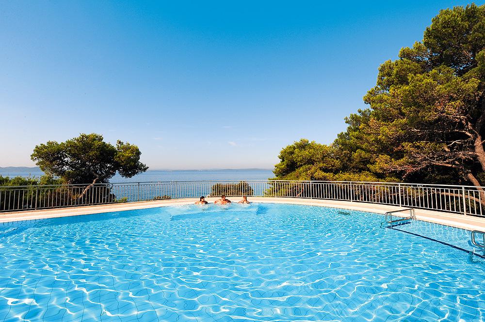 Pool Hotel Pinija bei Zadar