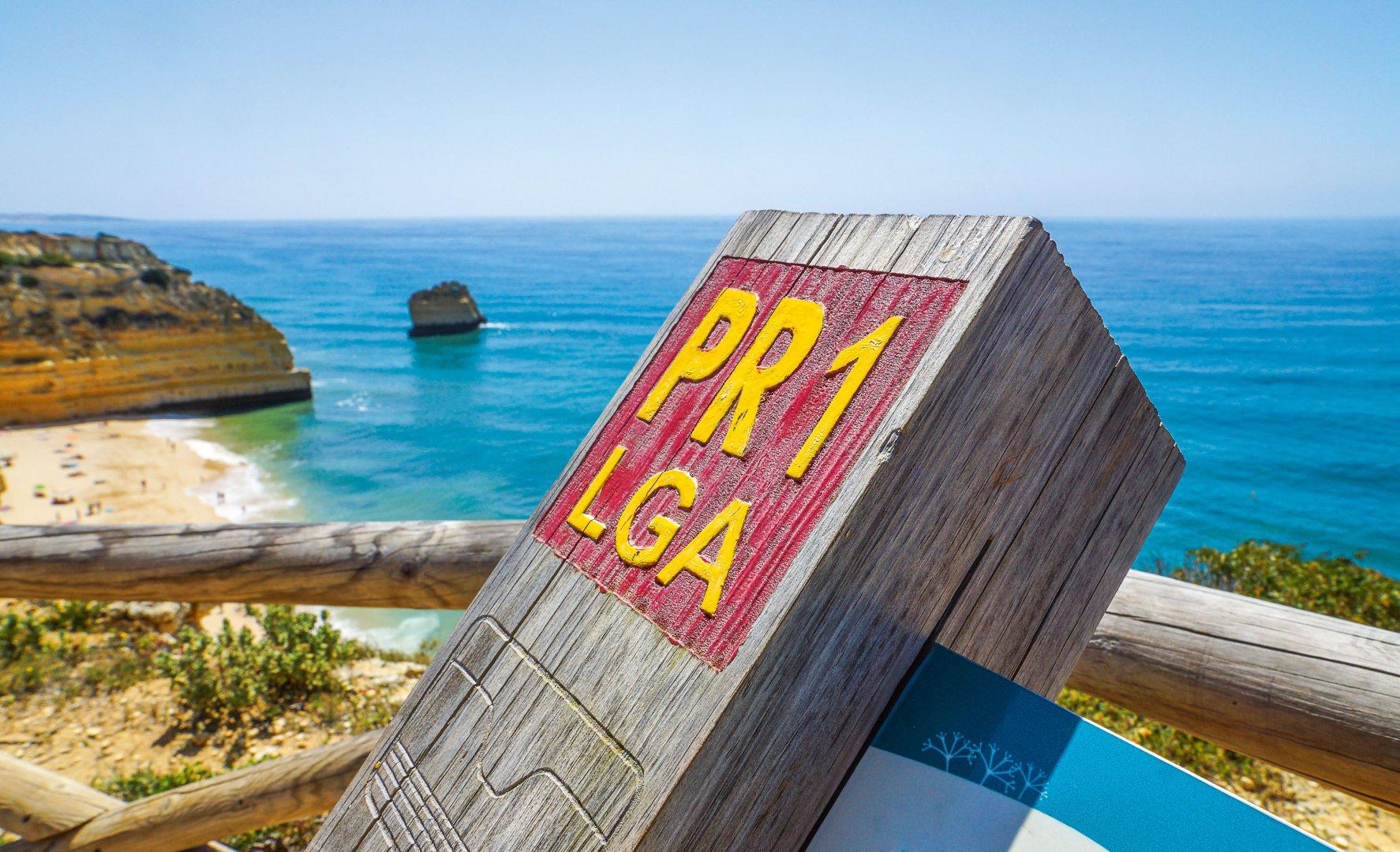 Wegweiser Küstenwanderung Algarve