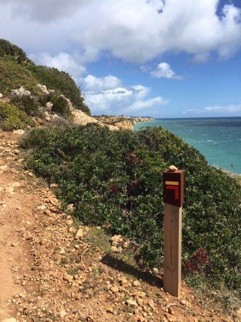 Algarve Küstenwanderung Weggabelung