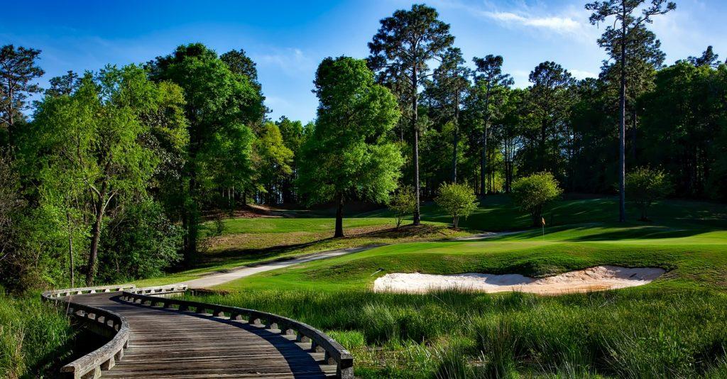 Gepflegter Golfplatz in Südeuropa