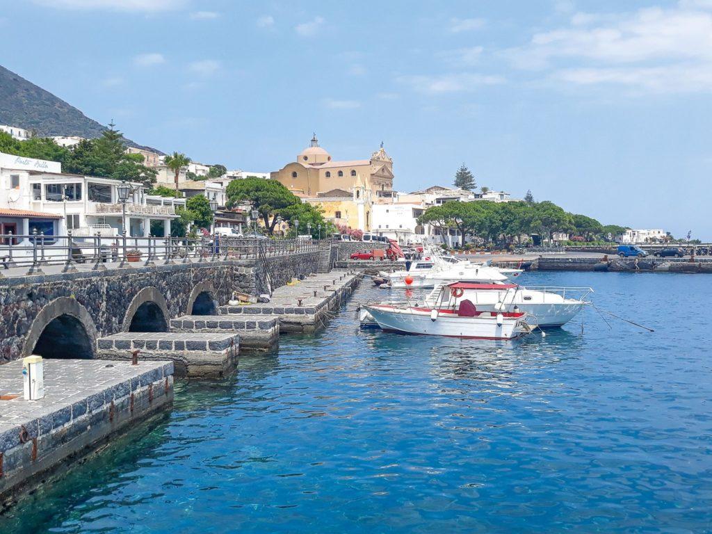 Hafen auf Salina